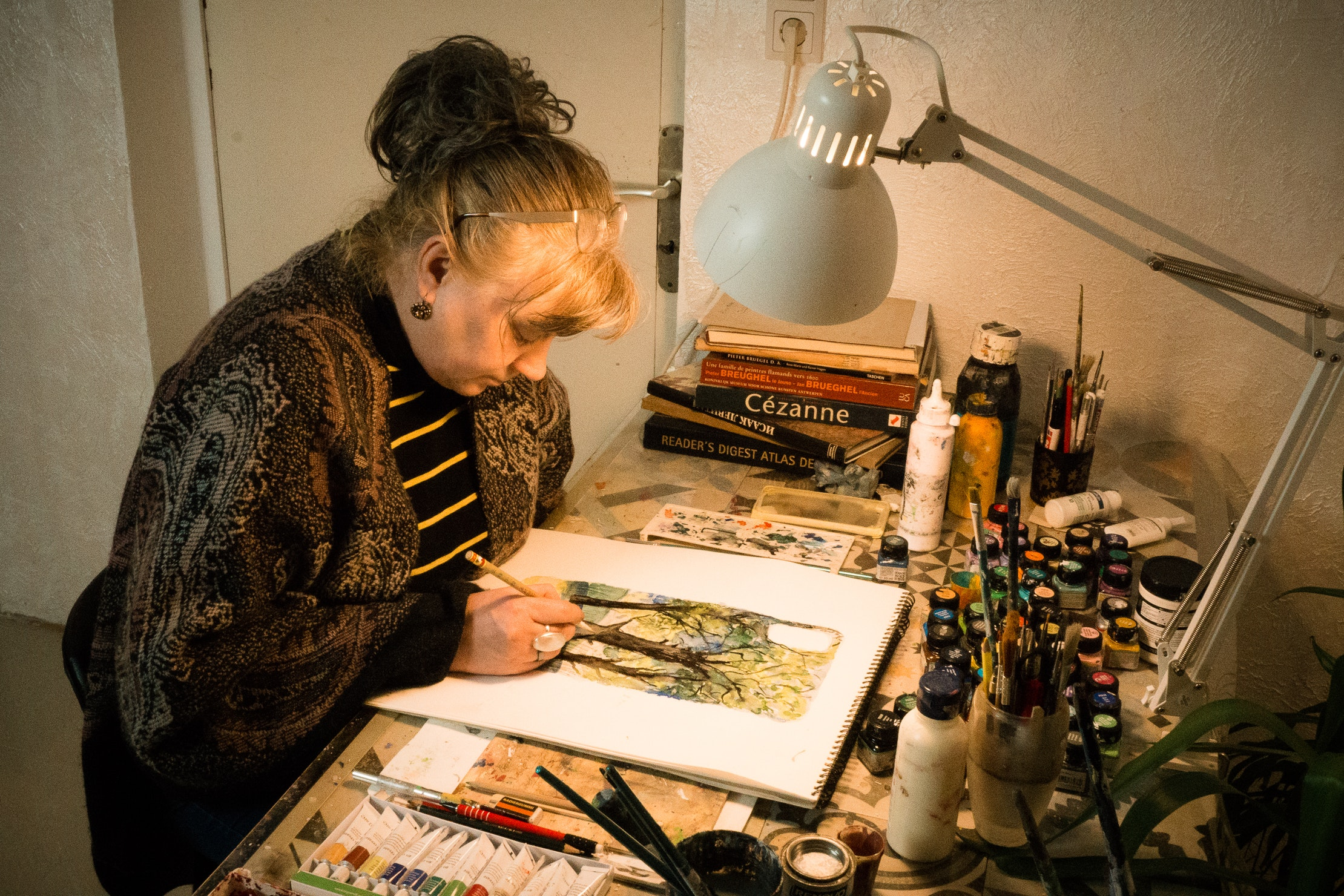 Elena Birkenwald sketching a draft.